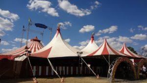 Zirkusgebäude
